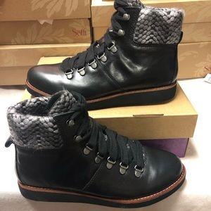 Bionica Hiko black leather boots new